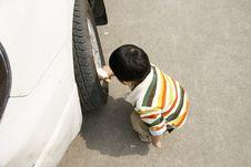 Free Boy Washing Car Royalty Free Stock Photo - 8295315