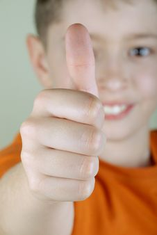 Boy With Thumb-up Royalty Free Stock Images
