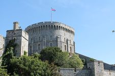 Free Gray Concrete Castle With Flag On Top Under Blue Sky Stock Image - 82931291