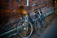 Free Bicycles In Alley Stock Photo - 82931550