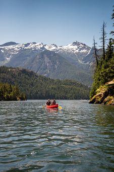 Free Canoe On Lake Royalty Free Stock Images - 82932739