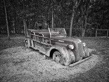 Free Gray Scale Photo Of Vintage Car Stock Photo - 82933520