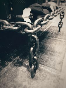 Free Steel Chains In Grayscale Photography Royalty Free Stock Images - 82937649
