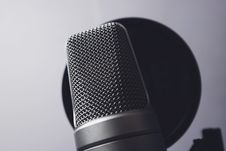 Free Silver Condenser Microphone Stock Images - 82938464