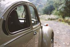 Free Brown Volkswagen Beetle Stock Images - 82939514