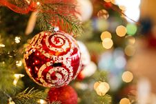 Free Decorated Christmas Tree Royalty Free Stock Photography - 82945557