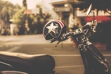 Free Black And Gray Motor Scooter With Black And White Star Print Half Face Helmet Stock Images - 82947044