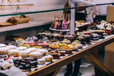 Free Donuts And Bagel Display Stock Photo - 82947790