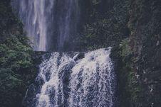 Free Waterfalls Near Green Leaved Plants Royalty Free Stock Image - 82948136