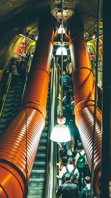 Free People Walking On Escalator Royalty Free Stock Image - 82948346