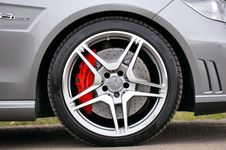 Free Black Rubber Mercedes Benz Automotive Wheel Stock Photography - 82948512