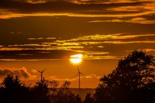 Free Wind Turbines At Sunset Royalty Free Stock Photos - 82948548