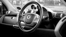 Free Black Smart Car Steering Wheel Royalty Free Stock Images - 82948809