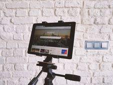 Free Black Tablet Computer Showing Pexels Webpage Stock Images - 82948844