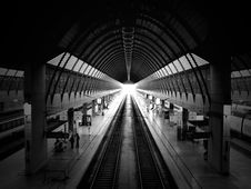 Free Train Station Waiting Lobby Stock Images - 82949264