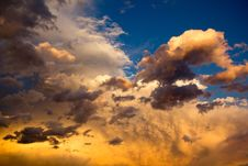 Free Gray And Yellow Cloudy Sky During Sunset Royalty Free Stock Photography - 82949717