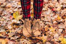 Free Person Wearing Brown Timberland Work Boots Royalty Free Stock Photography - 82949757