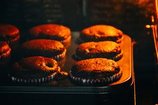 Free Chocolate Cupcakes Royalty Free Stock Photo - 82950335