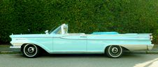 Free Classic Convertible Car Royalty Free Stock Photo - 82950415