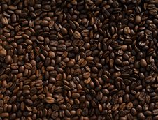 Free Box Of Roasted Coffee Beans Stock Image - 82951531