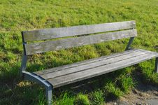 Free Empty Park Bench Stock Images - 82951614