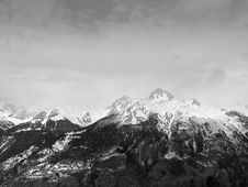 Free Scenic View Of Snowcapped Mountains Against Sky Royalty Free Stock Images - 82952439