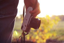 Free Hand Holding Camera Royalty Free Stock Photography - 82953227