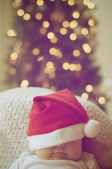 Free Close-up Of Illuminated Christmas Tree And A Baby Royalty Free Stock Images - 82954009