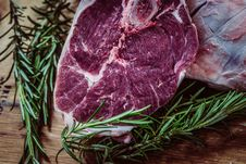 Free Steak And Rosemary Royalty Free Stock Photos - 82954188
