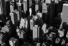 Free City Skyline In Black And White Royalty Free Stock Images - 82954379