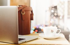 Free Laptop Computer With Coffee Cup Royalty Free Stock Photos - 82954888