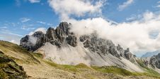 Free White Black Mountain Reaching Clouds Royalty Free Stock Image - 82955926