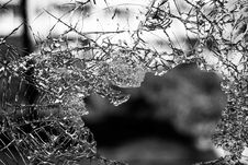 Free Hole On Shattered Glass Stock Photography - 82956142