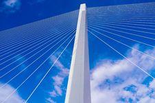 Free Vertical Pillar Of Suspension Bridge Stock Photos - 82956853