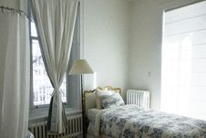 Free White Curtain Near Bed And Floor Lamp Stock Photos - 82957293