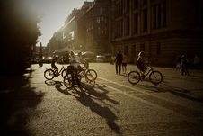 Free Bicycles On City Streets Royalty Free Stock Images - 82957439