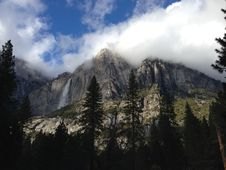 Free Clouds Over Mountain Peaks Royalty Free Stock Images - 82958119