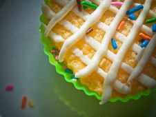Free Cupcake With Frosting And Sprinkles Stock Photography - 82958882