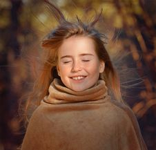 Free Smiling Girl In Outdoor Portrait Royalty Free Stock Photo - 82958965