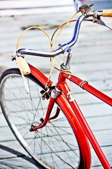 Free Red Bicycle Handles Royalty Free Stock Images - 82959459