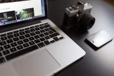 Free Silver Laptop Computer Beside Of White And Black Camera And Black Iphone Stock Photo - 82959610
