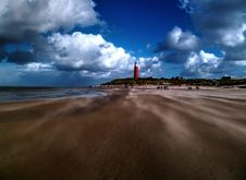 Free Lighthouse On Beach Royalty Free Stock Images - 82959739