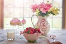 Free Strawberries And Flowers On Table Royalty Free Stock Photos - 82960128