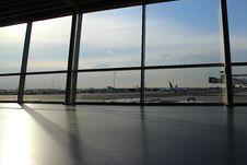 Free Passenger Aircraft On Airport Runway Royalty Free Stock Photography - 82960667
