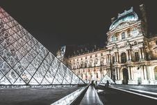 Free Louvre Museum Royalty Free Stock Images - 82961009