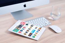 Free Apple Computer And Tablet Royalty Free Stock Photos - 82961508