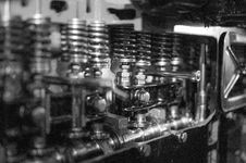 Free Cylinder Head Royalty Free Stock Photos - 82962188
