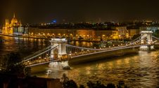 Free Lighted Bridge During Night Time Stock Photography - 82962932
