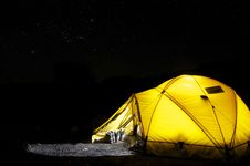 Free Yellow Tent Under Starry Night Stock Image - 82963221