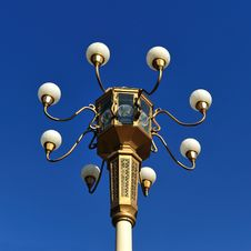 Free Brown Metal Street Lamp Under Clear Blue Sky During Daytime Royalty Free Stock Image - 82963306